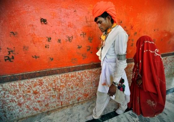 Resultado de imagen para niñas que se casan en la india