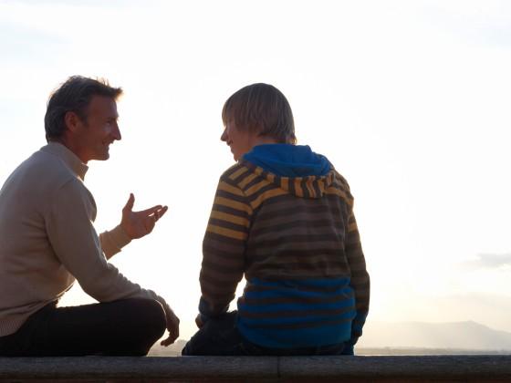 Padre y Adolescente - Conversando