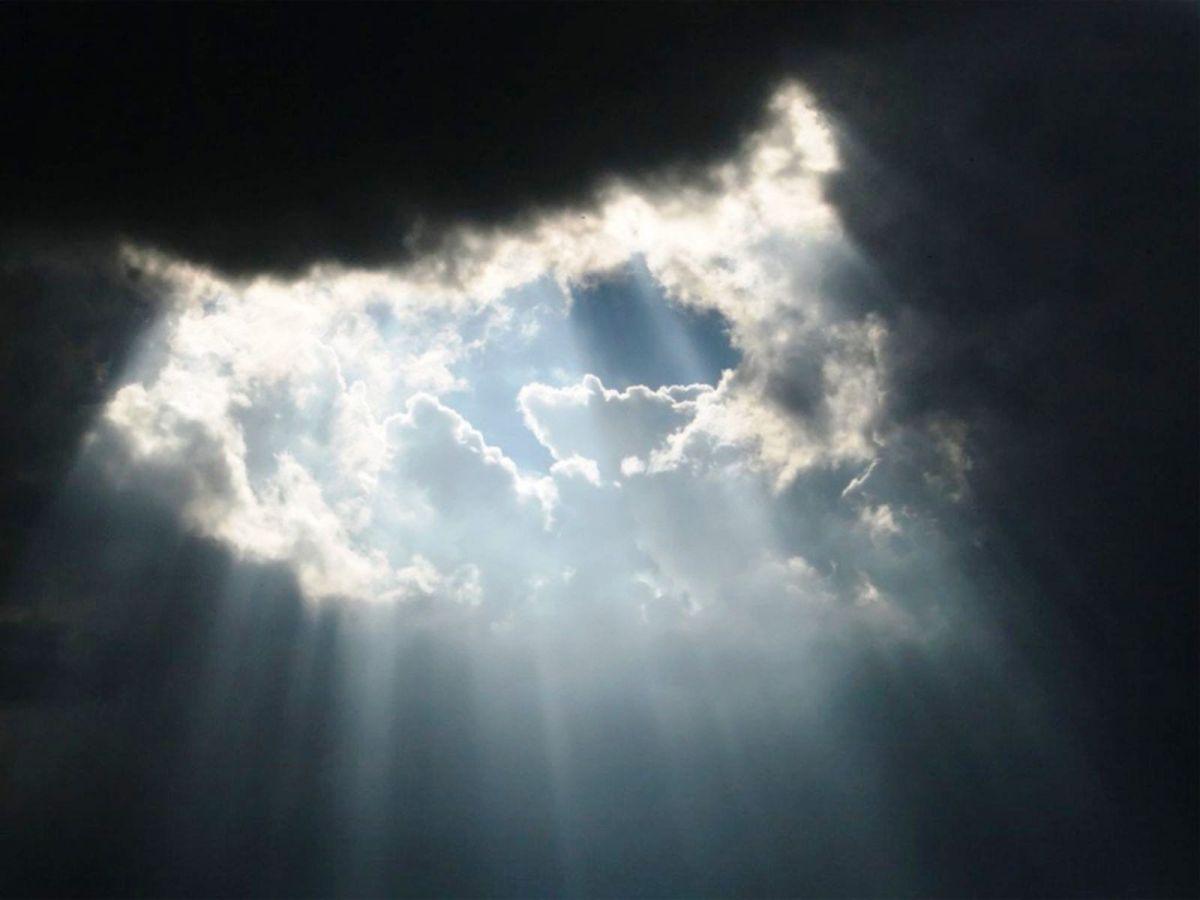 Jesús Está Siempre Allí Incluso En Medio De La Oscuridad