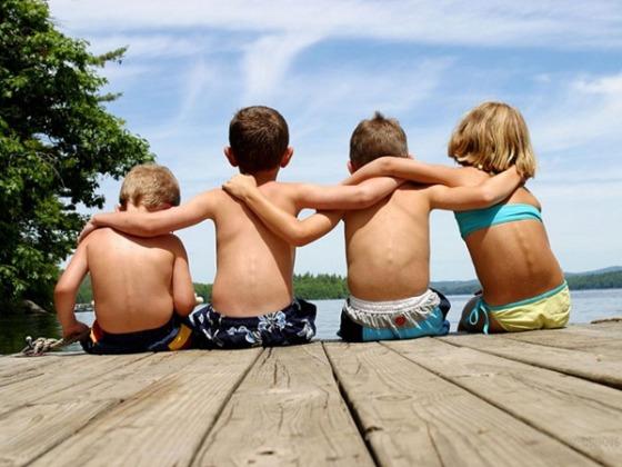 Amistad - Niños - Estanque
