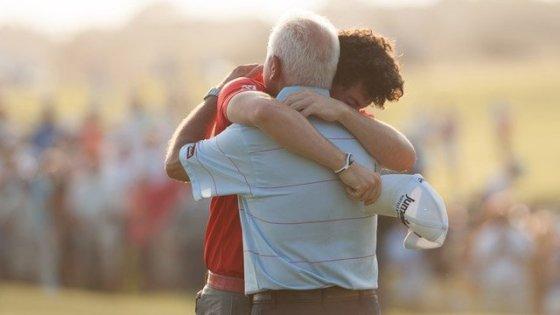 Padre e Hijo - Abrazo