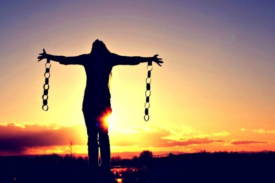 Mujer - Libre - Cadenas - Pecado