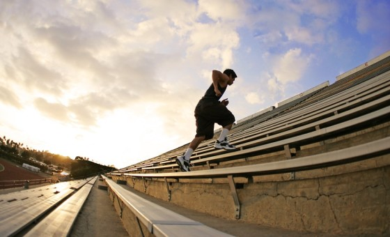 Subiendo Escaleras - Hombre