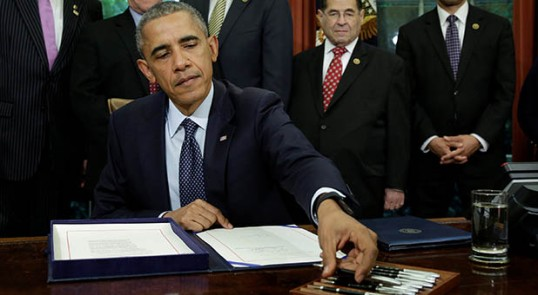 President Barack Obama signs S. 1890 Defend Trade Secrets Act of 2016