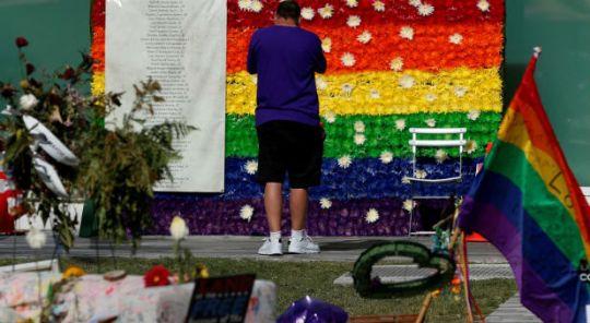 Reuters-Pulse-Flower-Wall-Vigil