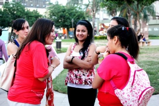 Evangelizando-en-el-mes-de-la-biblia-plaza-Juan-de-Vera-2.jpg