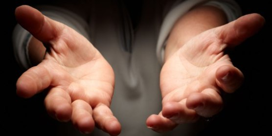 manos-extendidas