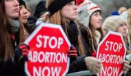 Activista de aborto golpea a una niña de 15 años en la cara que estaba orando en PlannedParenthood