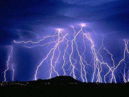 Amazing-Giant-Thunder.jpg