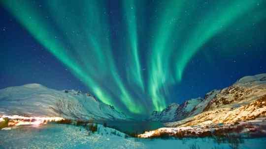aurora-boreal-en-cielo-estrellado