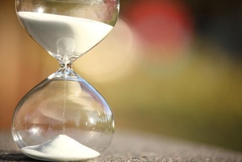 reloj-de-arena-simbolizando-la-paciencia